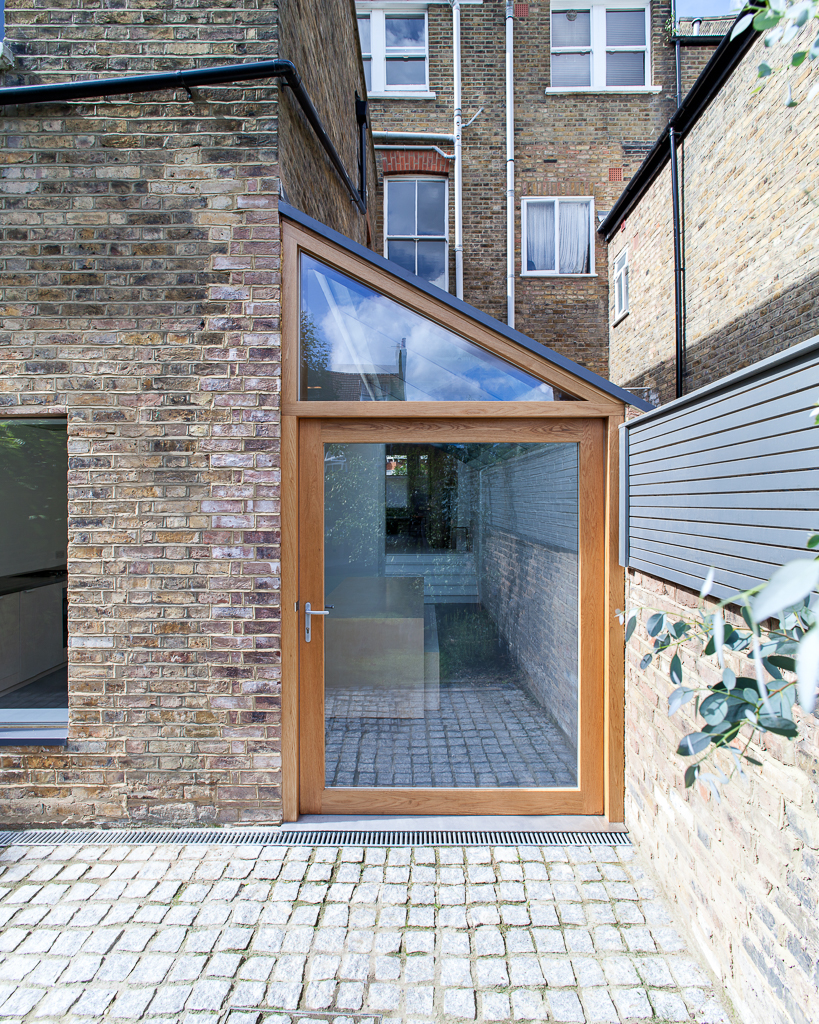</p> <p>Find your ideal home design pro on designfor-me.com - get matched and see who's interested in your home project. Click image to see more inspiration from our design pros</p> <p>Design by Zoe, architect from Haringey, London</p> <p>#architecture #homedesign #modernhomes #homeinspiration #sideextensions #sidereturn #sideextensionideas #glazing #architecturalglazing #naturallight </p> <p>